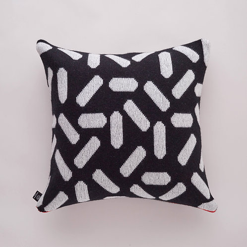 Tic-Tac Cushion in White and Black  with Blue zip