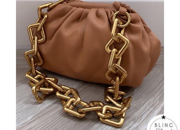 Loretta Chunky Chain Pouch Tan