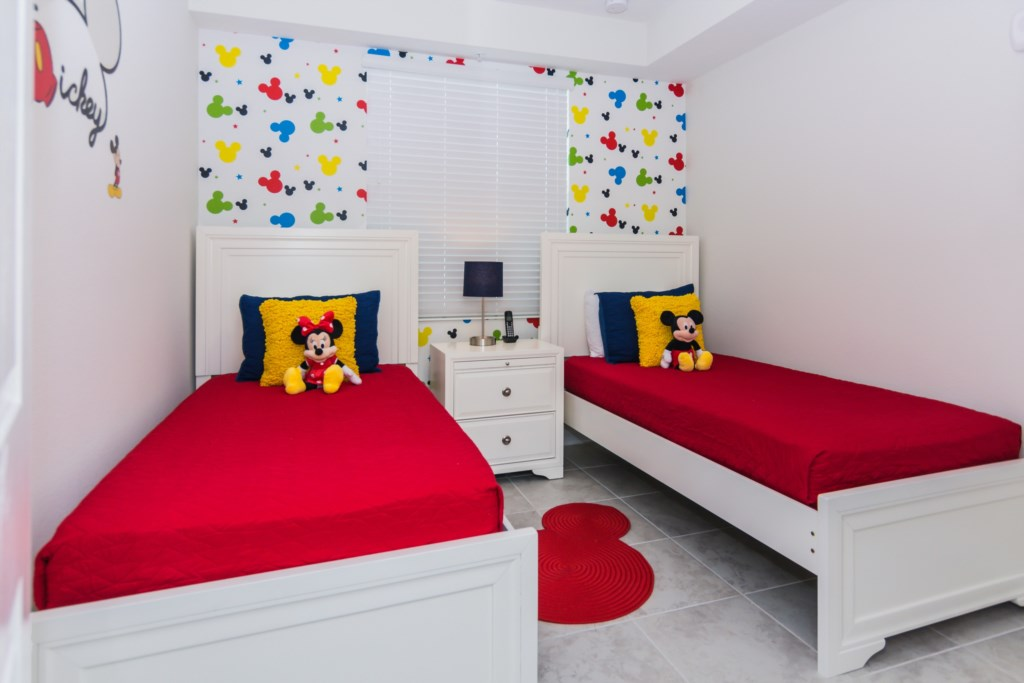 MickeyBedroom2