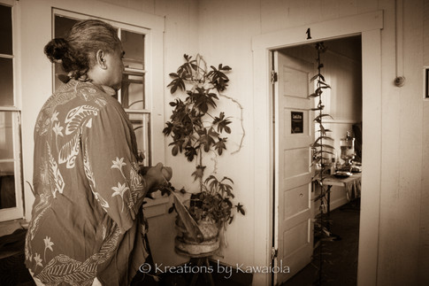 Room blessing with Kumu Keala Ching