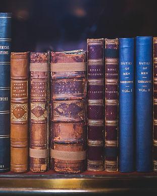 books-bookshelf-encyclopedia-34592.jpg