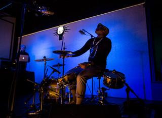 LIVE DRUMS AND DJ + CHRIS ROCK @ TMR (News)