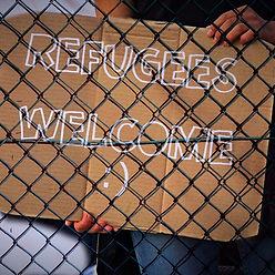 Desde esta Capilla Hospitalaria te invitamos a Orar por los refugiados para poder acercarnos a esa realidad con la mirada de Dios y dejar que no toque por dentro