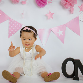 Laurelle Cake Smash- Central Coast Photographer