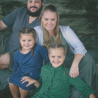 Lawless Family Portrait-Central Coast Family Photographer