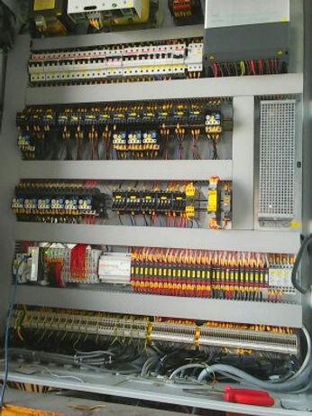 modernizacja szafy sterowniczej maszyny