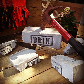 Brik_with_knife