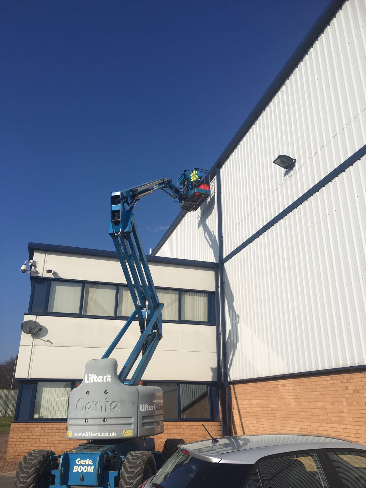 Commercial Gutter Cleaning in Glasgow