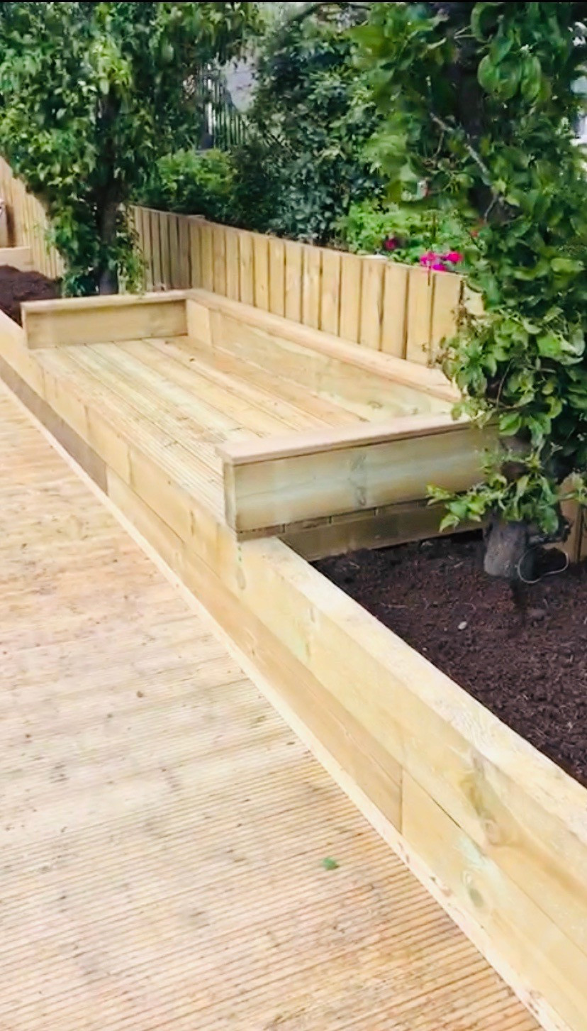 Garden seat made with sleepers and decking boards