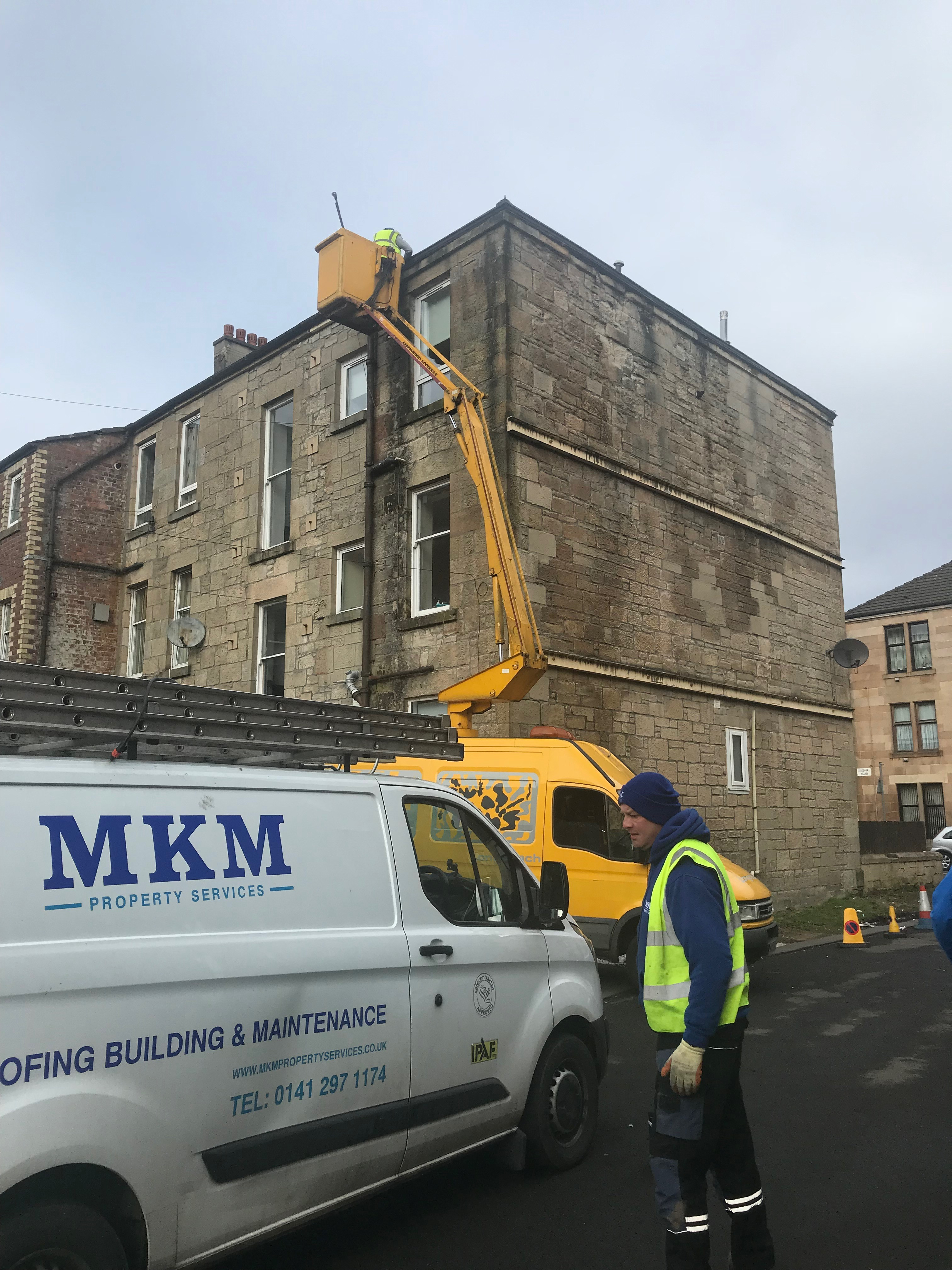Commercial Gutter Cleaning in Giffnock