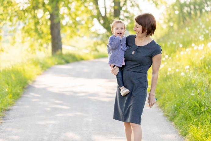 Familien Familienshooting Familienbilder Baby Schwangerschaft
