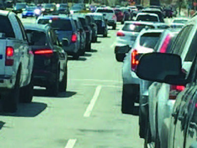 Traffic on Kanan Road