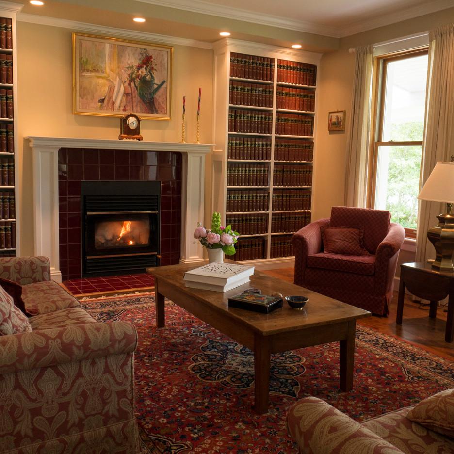 livingroom-old.jpg