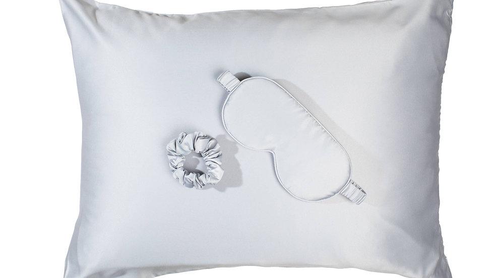 Goodnight Gorgeous Satin Sleep Set by Bella il Fiore