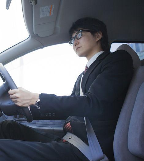 スーツ着用ドライバー