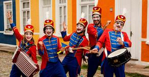 Espetáculo musical Orquestra de Brinquedos tem curta temporada em Porto Alegre