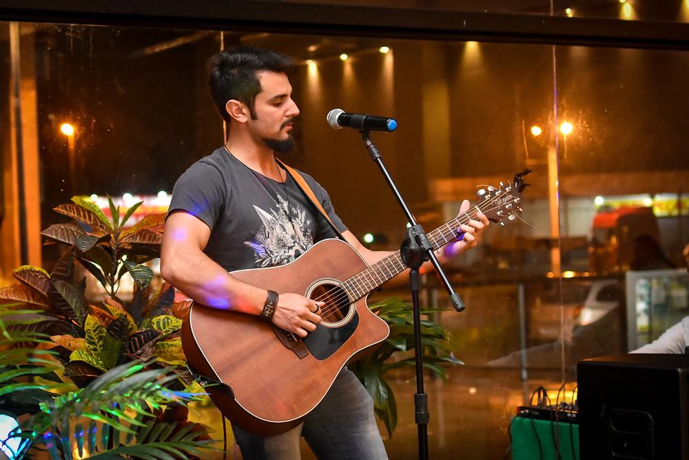 musico Douglas Ramos