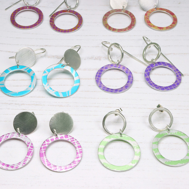 Silver disc or wire circle earrings with aluminium