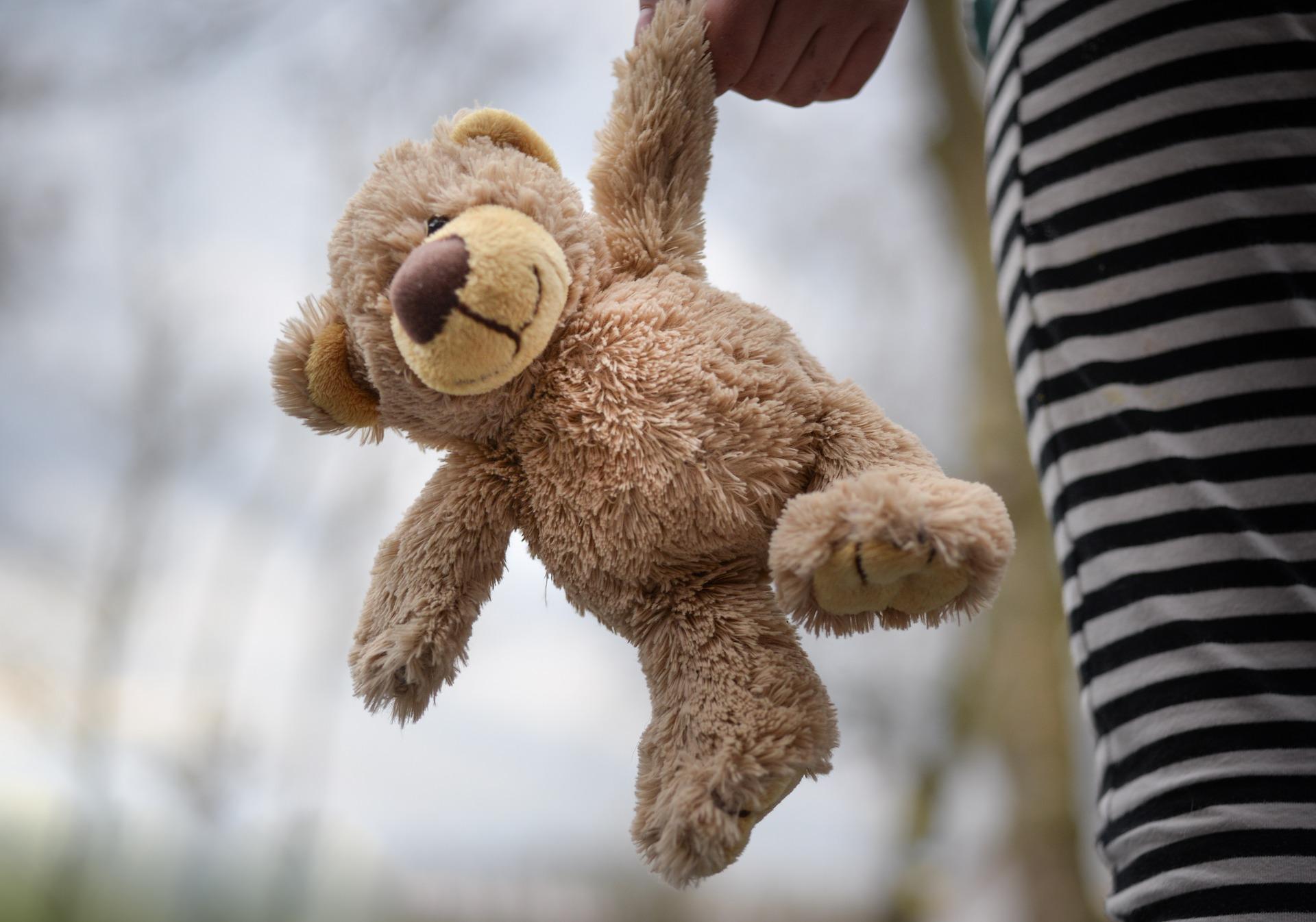 stuffed-bear-3288076_1920
