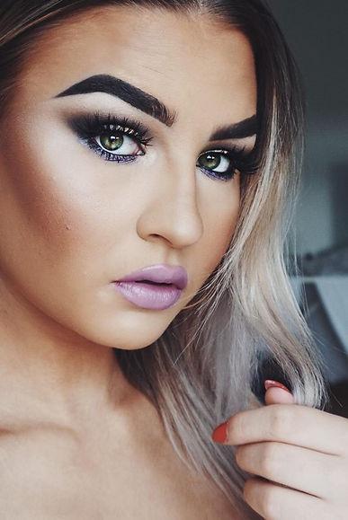 Hanna Fogler, makeup artist & hairstylist