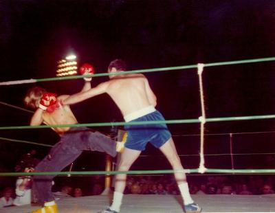 boxing-32b