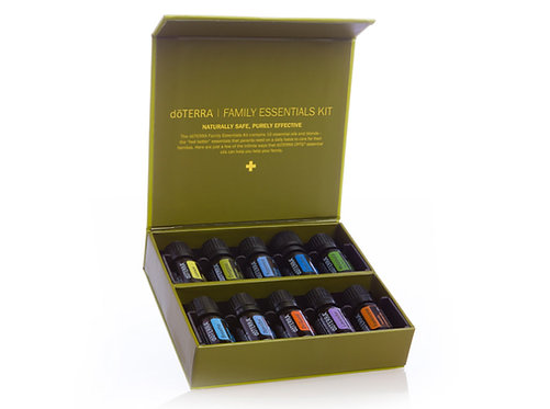 Family Essentials Kit 10 x 5ml + On guard a Peppermint guľôčky GRATIS
