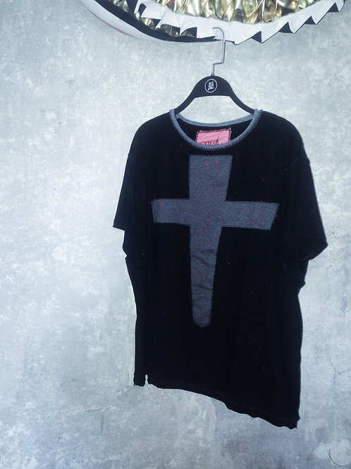 Cross Tee No Name