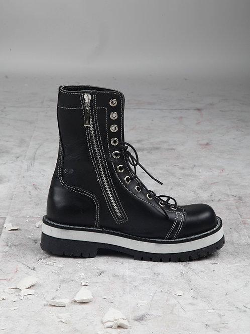 Kubrick Boots