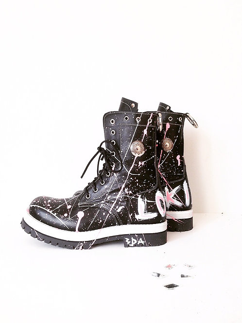 Abstract Boots
