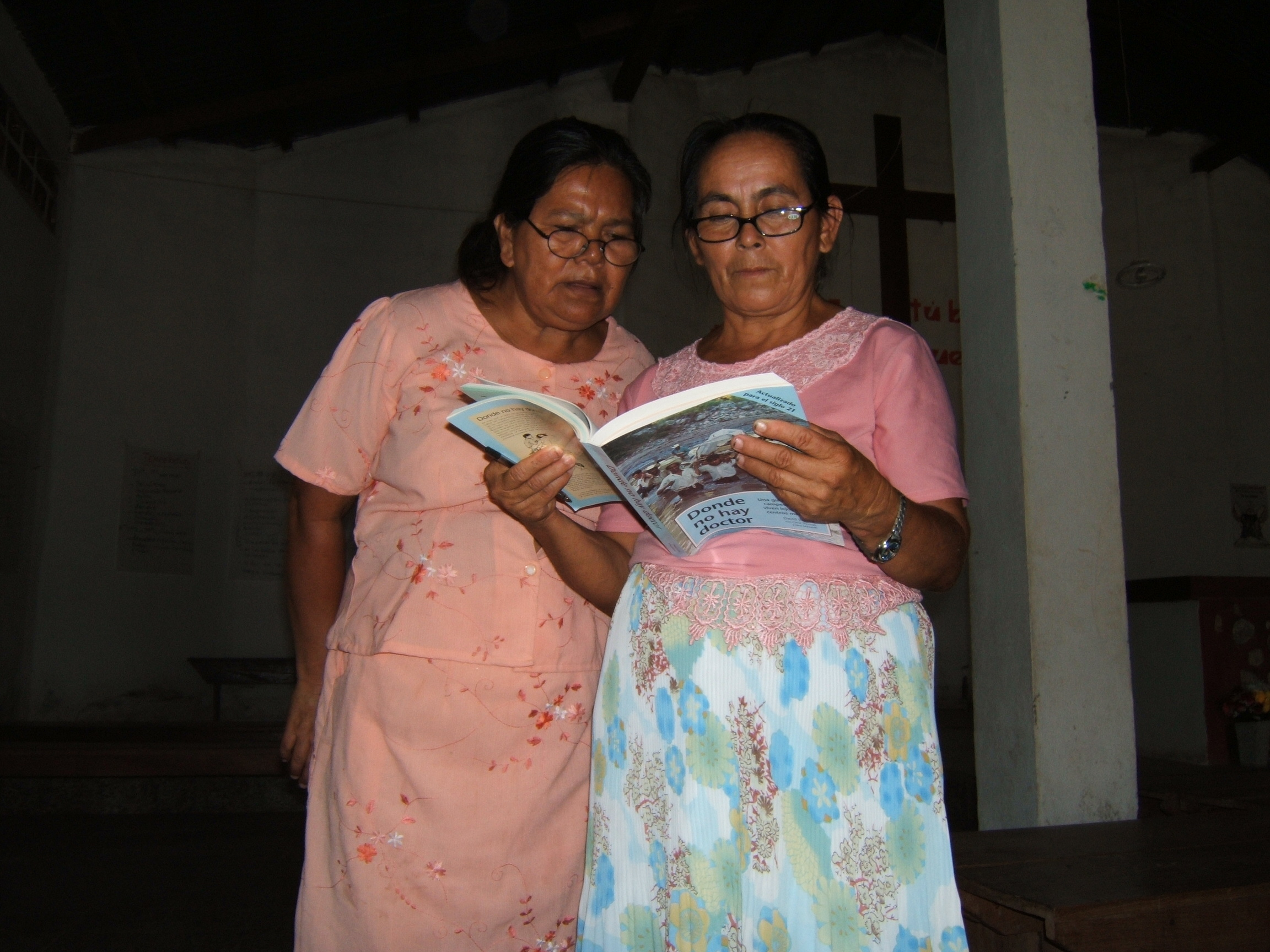 Women studying 3