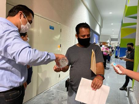 Chuy Nava invita a los chavos para que se vacunen