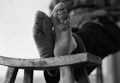 Shocking New Exhibition Reveals The Last Bound Feet Women of China