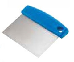Gi. Metal Dough Cutter with 15cm Stainless Steel Blade (AC-TPM)