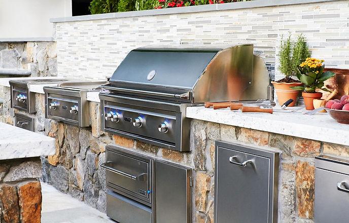 Lynx-Outdoor-Kitchen.jpg