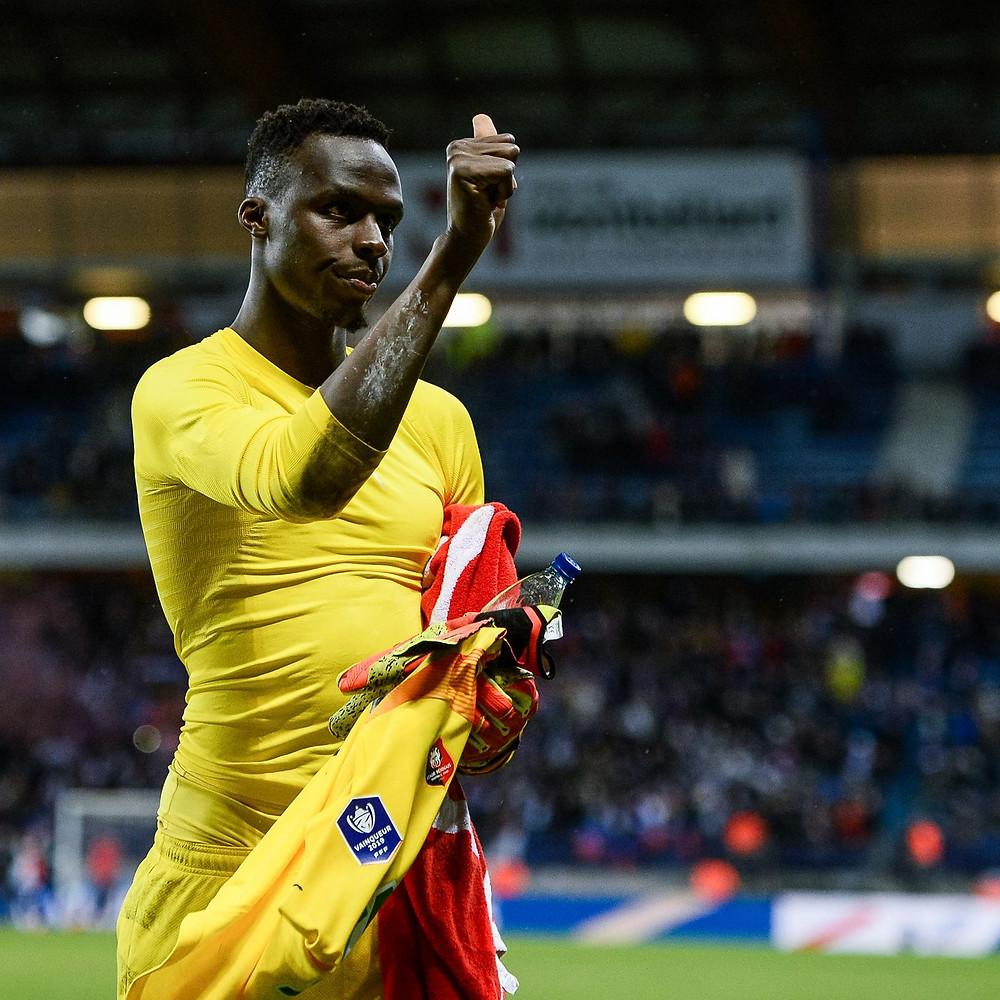 Edouard Mendy salutes Rennes fans