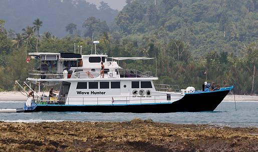 Wave Hunter Charter