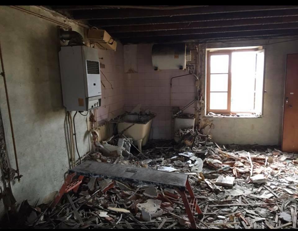 T2 en cours de démolition