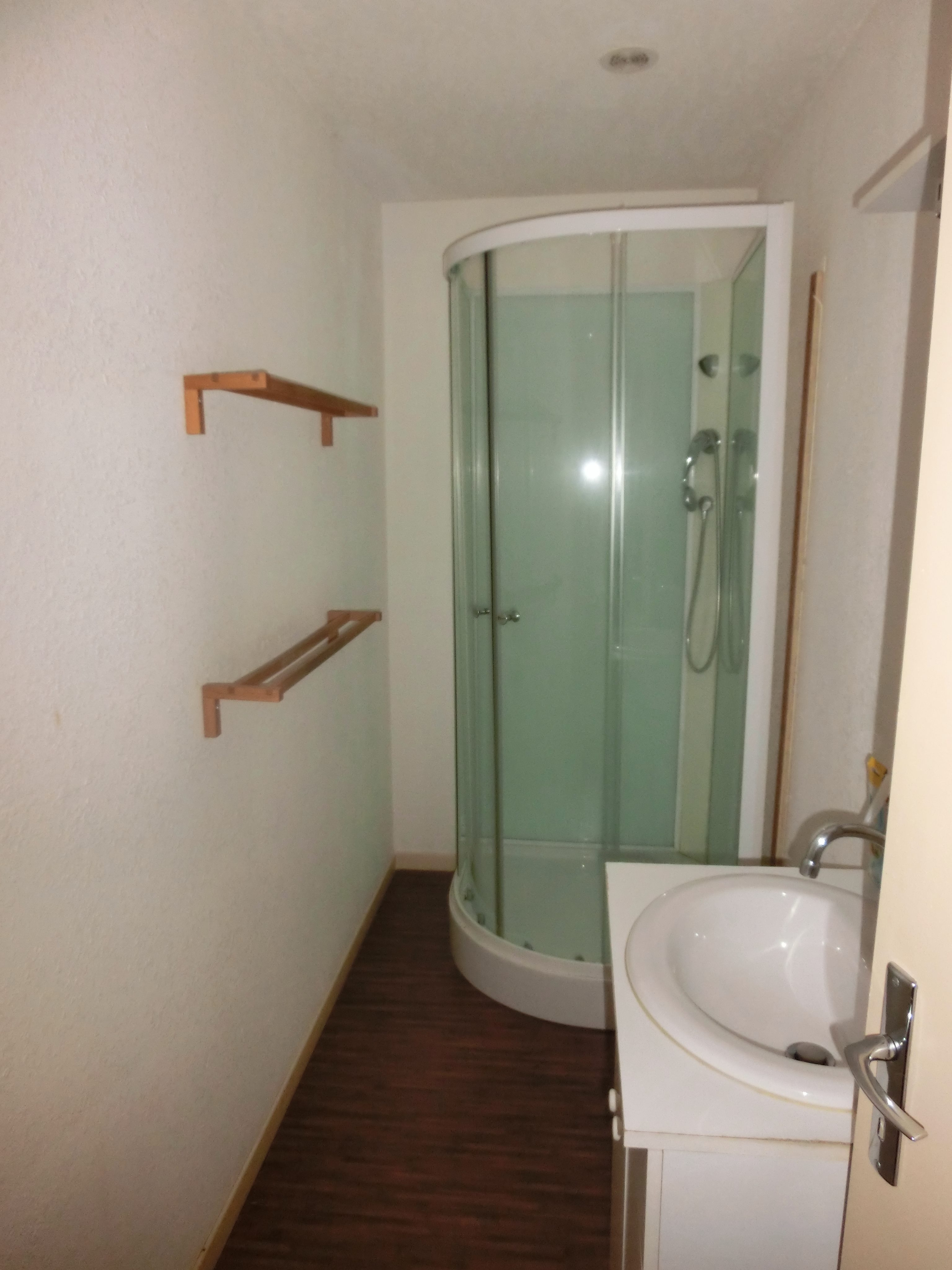 Salle de bain T3 avant travaux