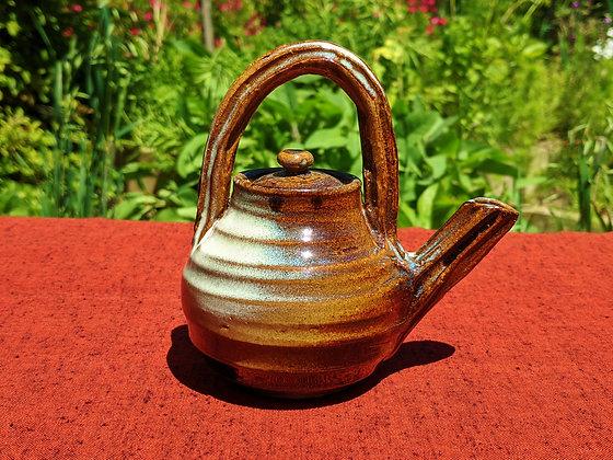 Susa-Karatsu Ceramics - 'dobin' pourer