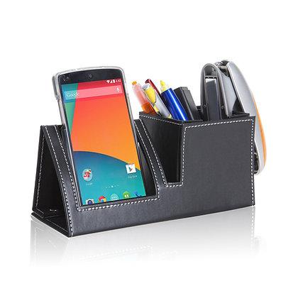 ארגון  - מעמד שולני דמוי עור עם מקום לטלפון נייד, כוס לעטים מתקפל ומתאים לדיוור