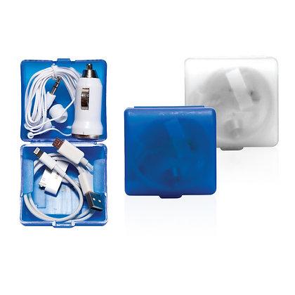 מוליך - סט מושלם לרכב הכולל מטען USB לרכב , אוזניות כפתור וכבל USB עם 3 מתאמים ב
