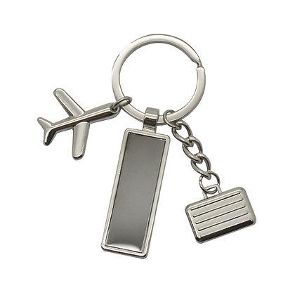 אומרה- מחזיק מפתחות ממתכת עם 2 תליונים ולוחית חריטה במארז מתנה