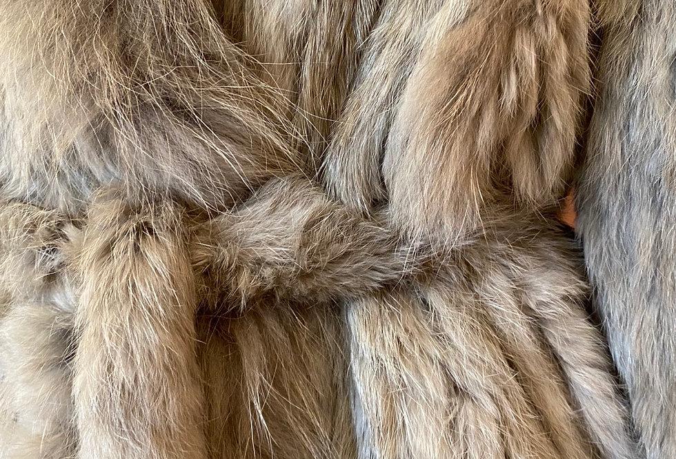 Casaco de pelo tricotado com cinto taupe