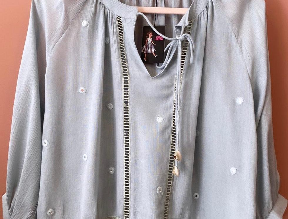 Túnica algodão com espelhos | Mirror embroidery light blue blouse