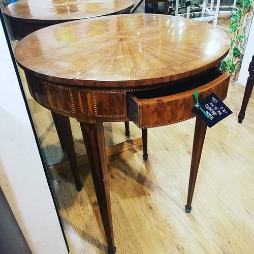 #tavolino# intarsiato#arredamento#oggett