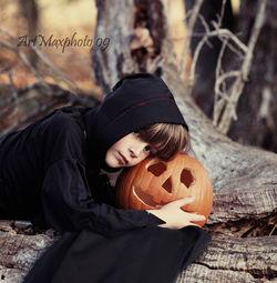 Max&pumpkin Helloween.jpg