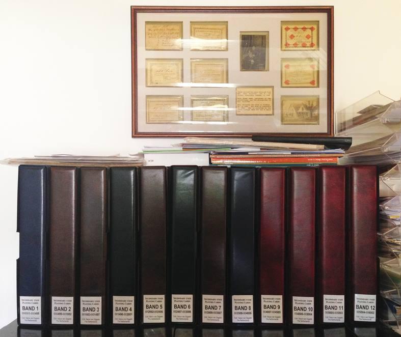 Хранение игральных карт в альбомах