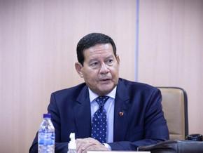 'Presidente julgou minha presença desnecessária', diz Mourão