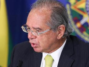 Em vez de auxílio, Guedes sugere congelar salários do funcionalismo