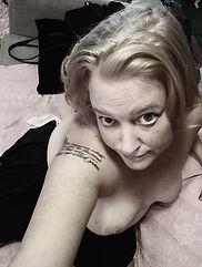 blondebw.jpg